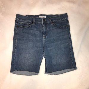 Ann Taylor LOFT 4  Longer shorts can roll raw hem